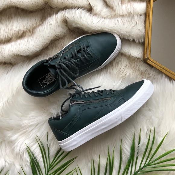 2a4d55f3d4 Vans Old Skool Zip Leather Sneakers Green Gables. M 5c37ec1d34a4efc821500a06
